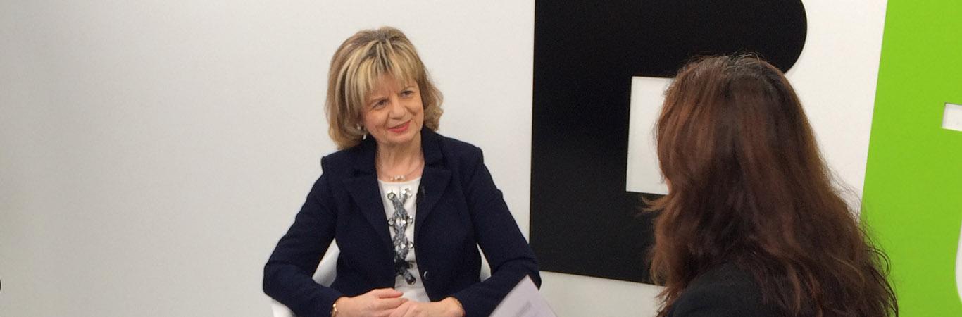 Entrevista a la enfermera y diputada Elvira Velasco